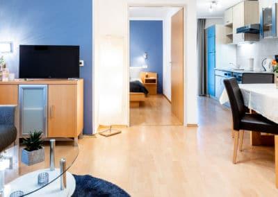 Wohnraum-mit-küche-kaernten-apartment-turnersee