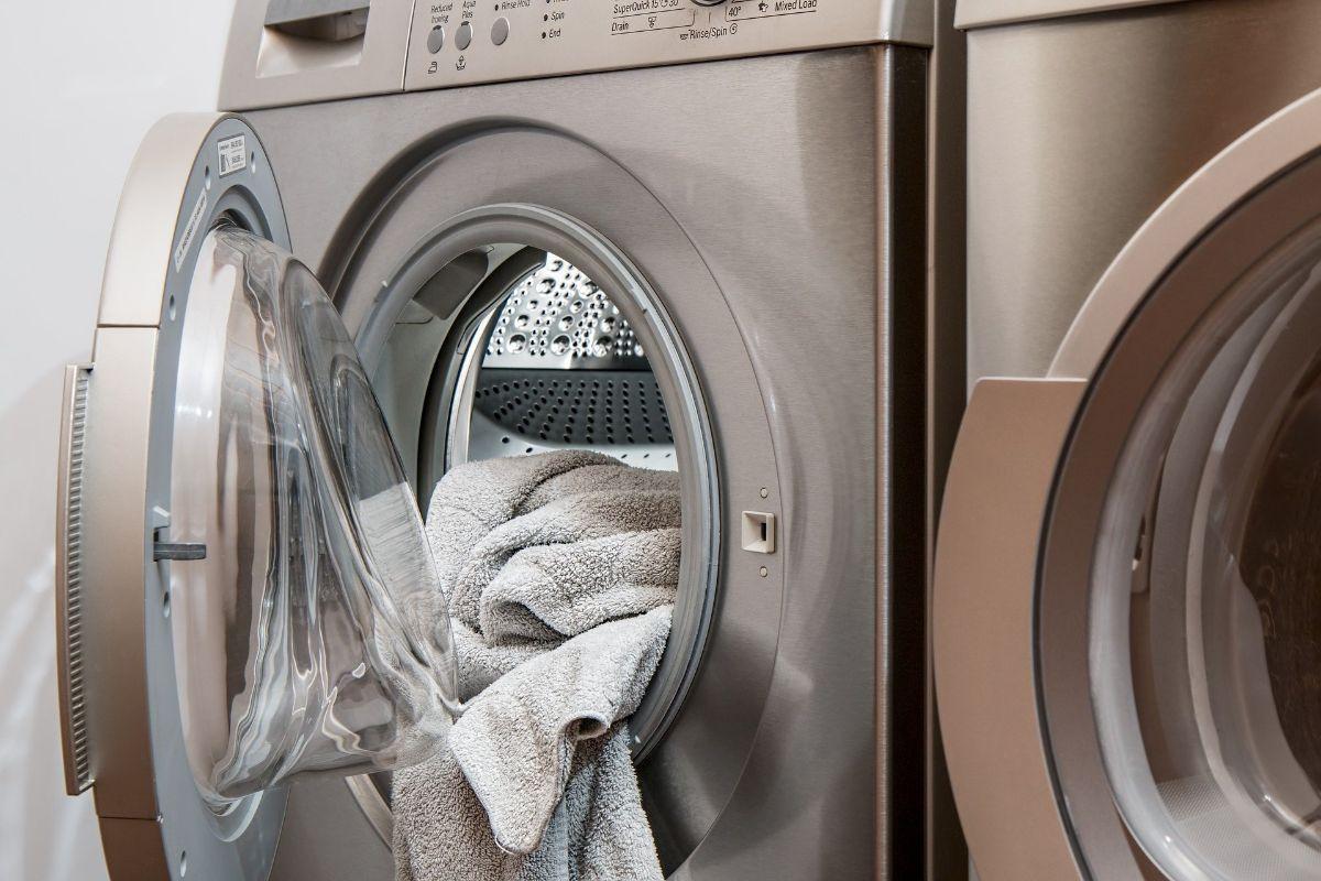 Wäsche waschen und Wäscheservice